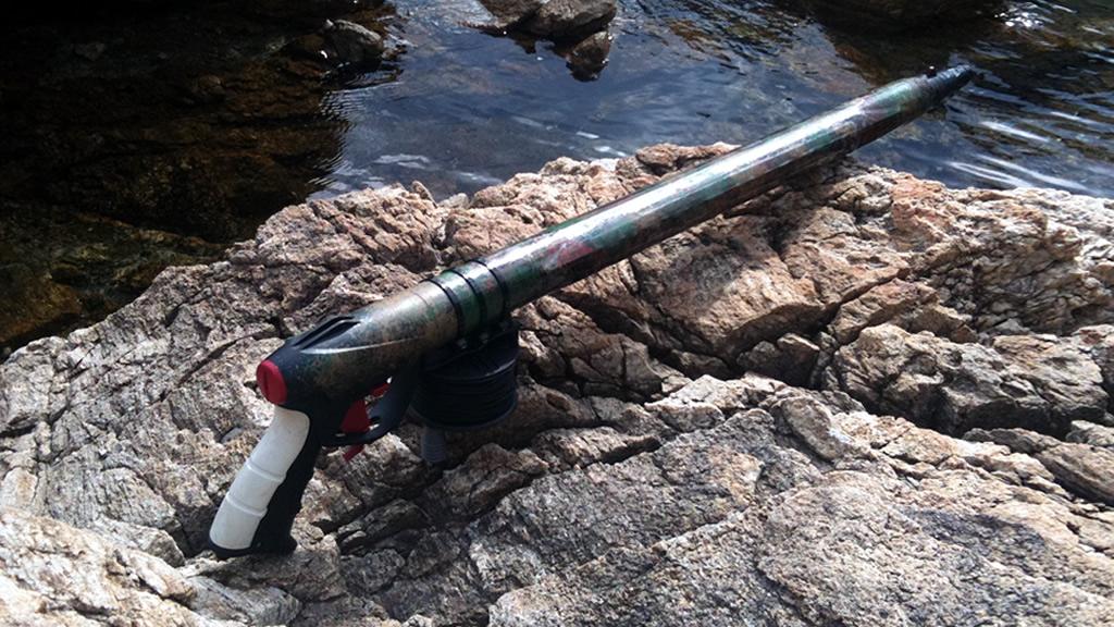 Una serie di merce di un acciaio inossidabile per pesca